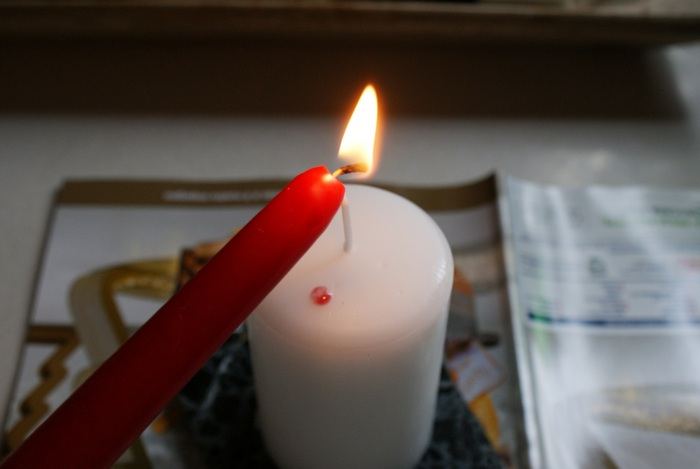 diy bleeding blood candle halloween