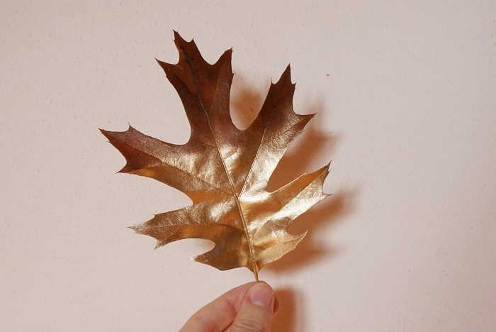 gold painted leaf francinesplaceblog