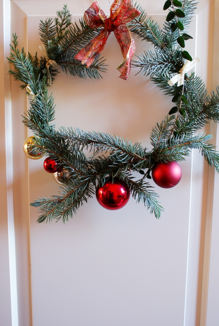 easy diy christmas wreath francinesplaceblog
