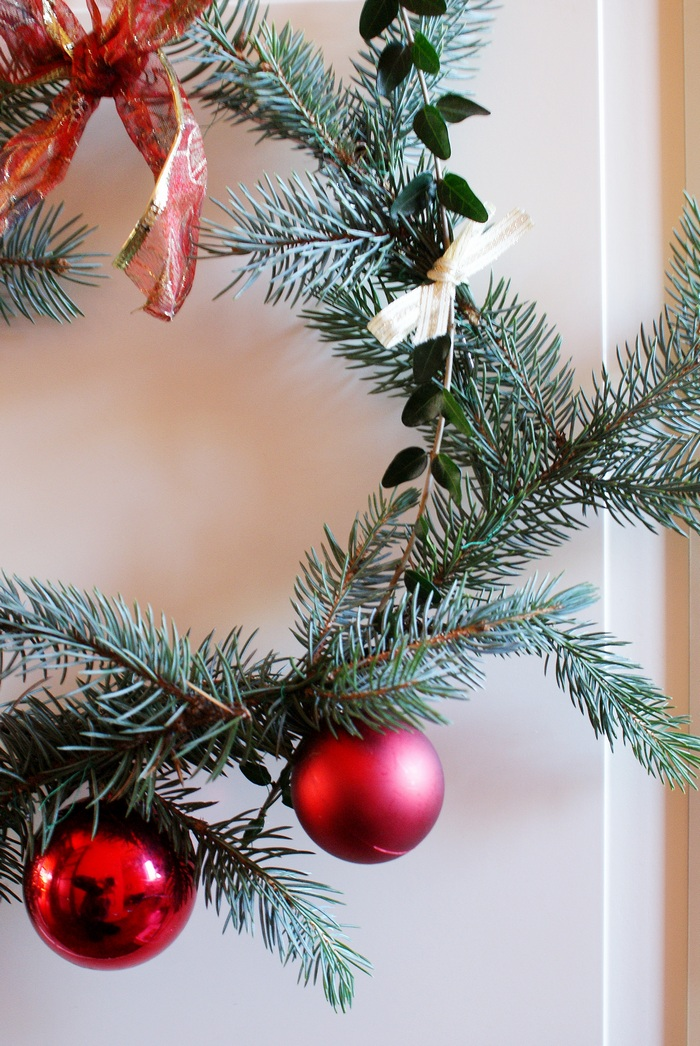 pine fir wreath christmas home