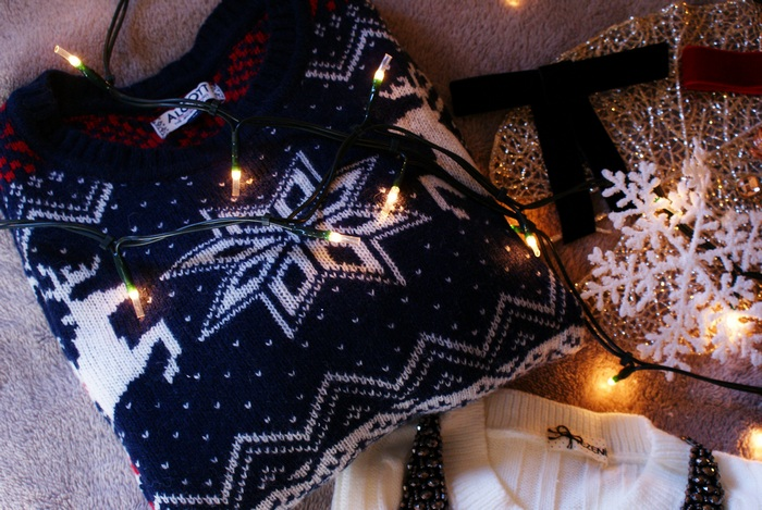 christmas sweater outfit idea cozy