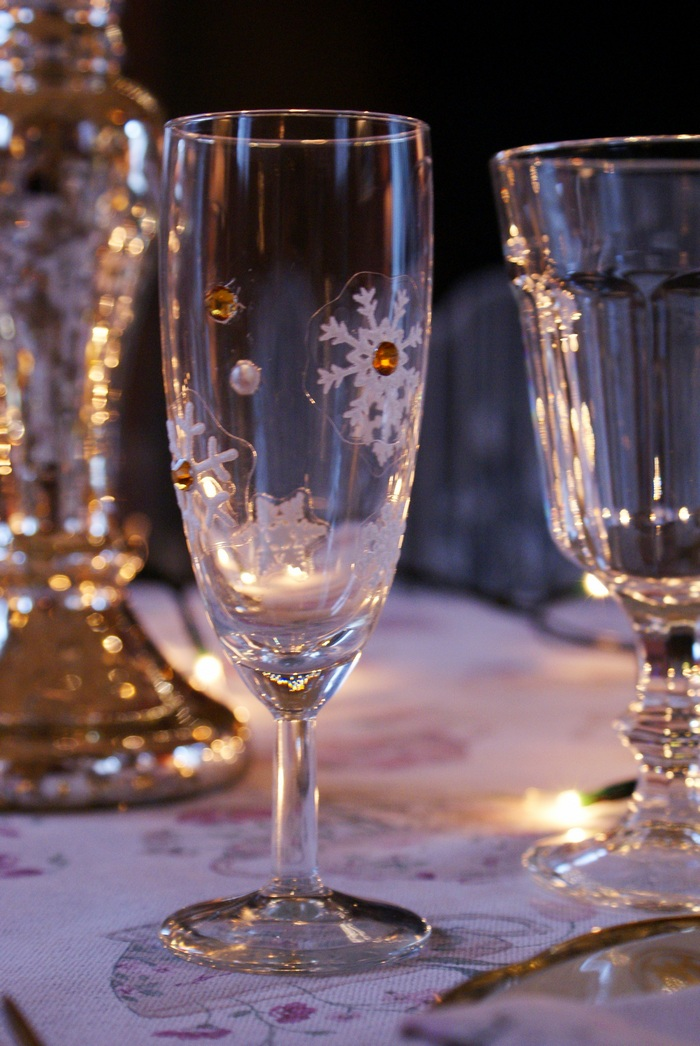 diy flutes glasses decoration holiday