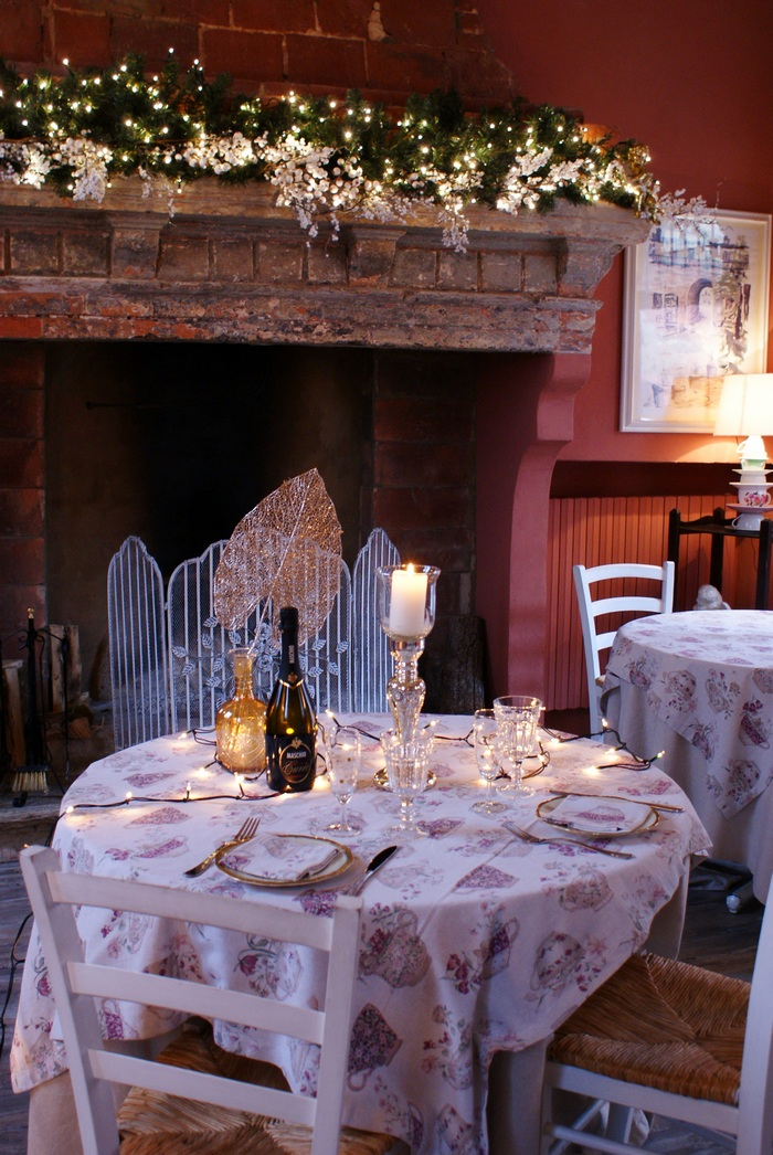diy cozy chic christmas table