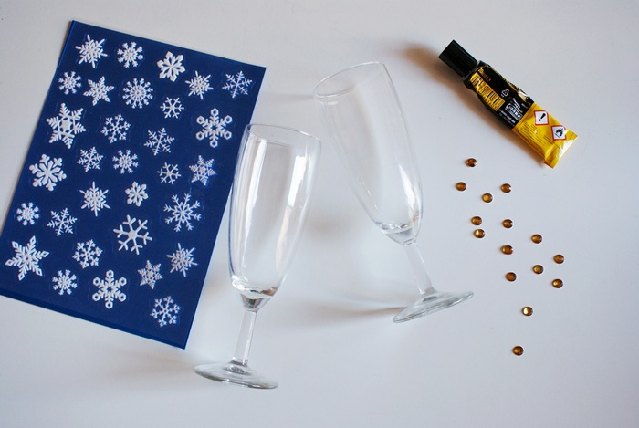 diy decorated flutes glasses christmas