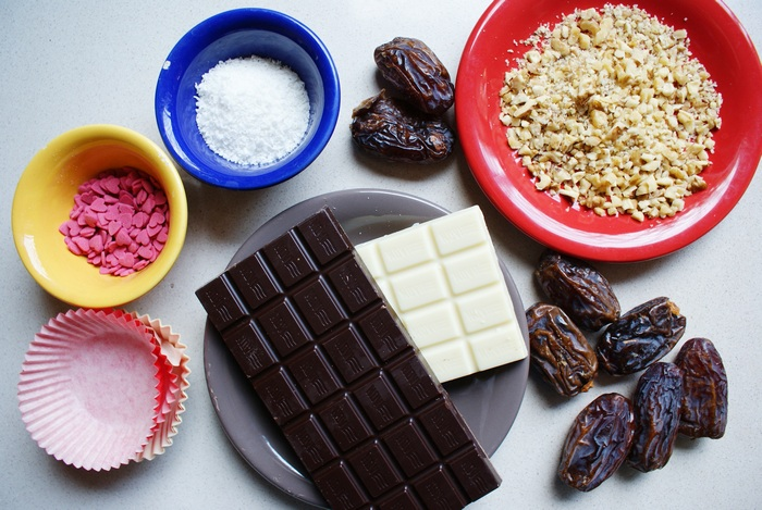 diy chocolate date pralines recipe
