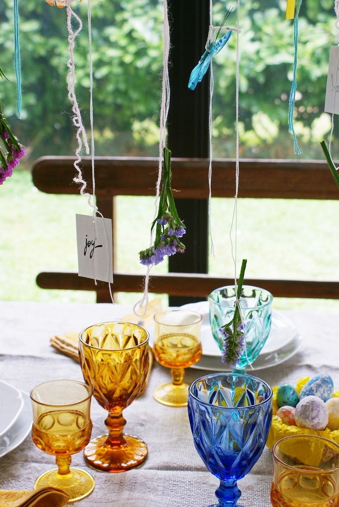 beautiful easter spring table decor