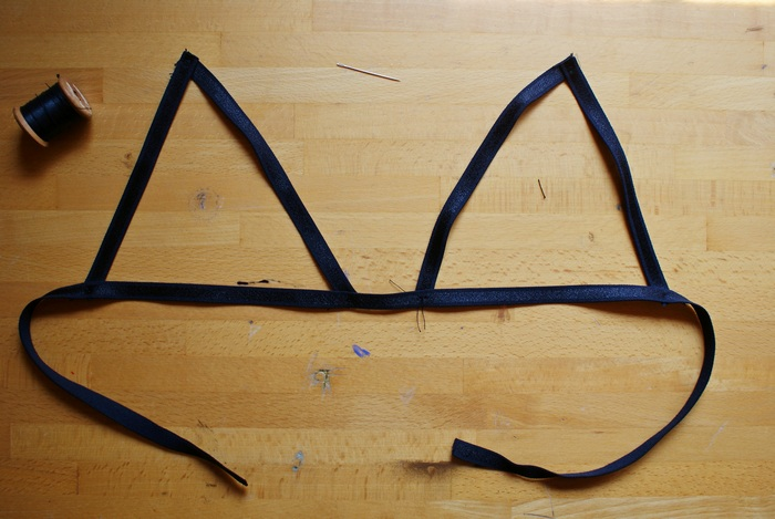 diy cut out lace bralette francinesplaceblog
