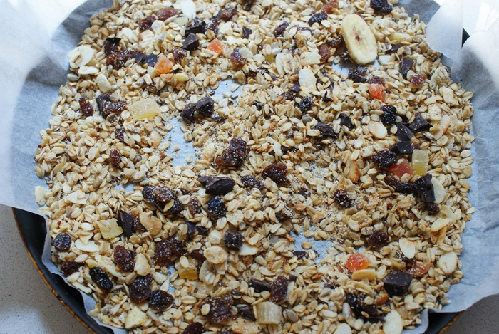 granola fruit chocolate recipe muesli