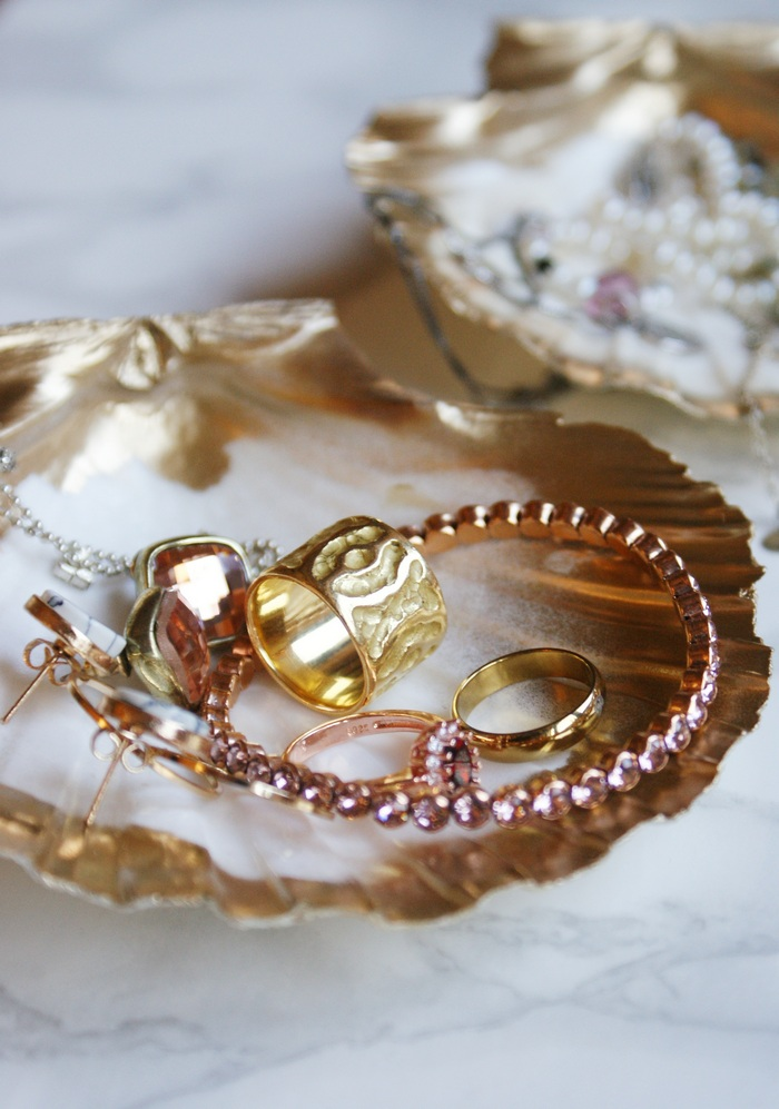 diy gold painted shell jewelry dish francinesplaceblog