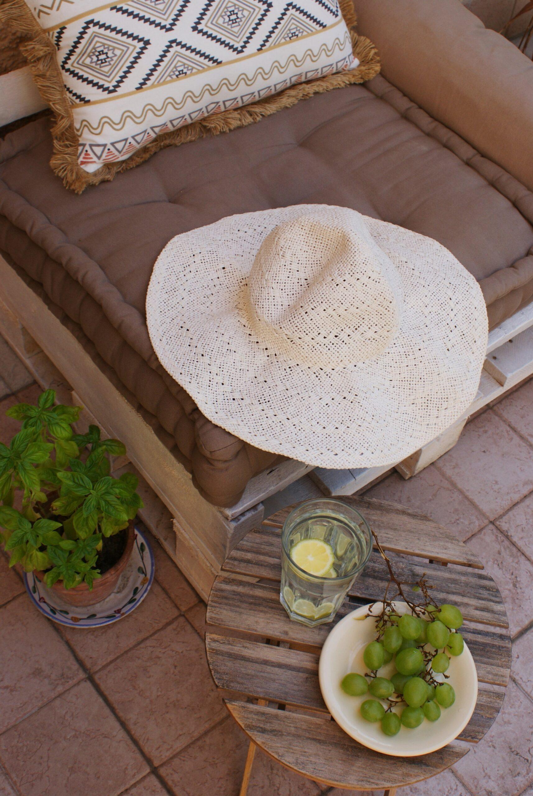 straw hat pack summer tip