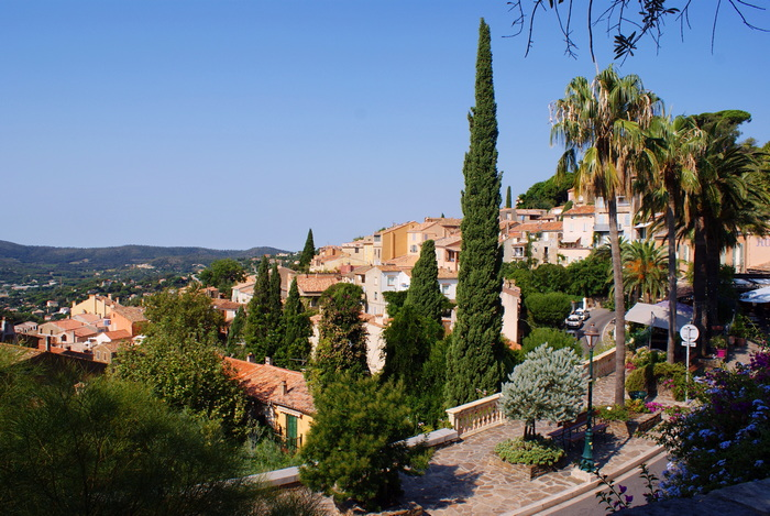 bormes mimosas travel guide france