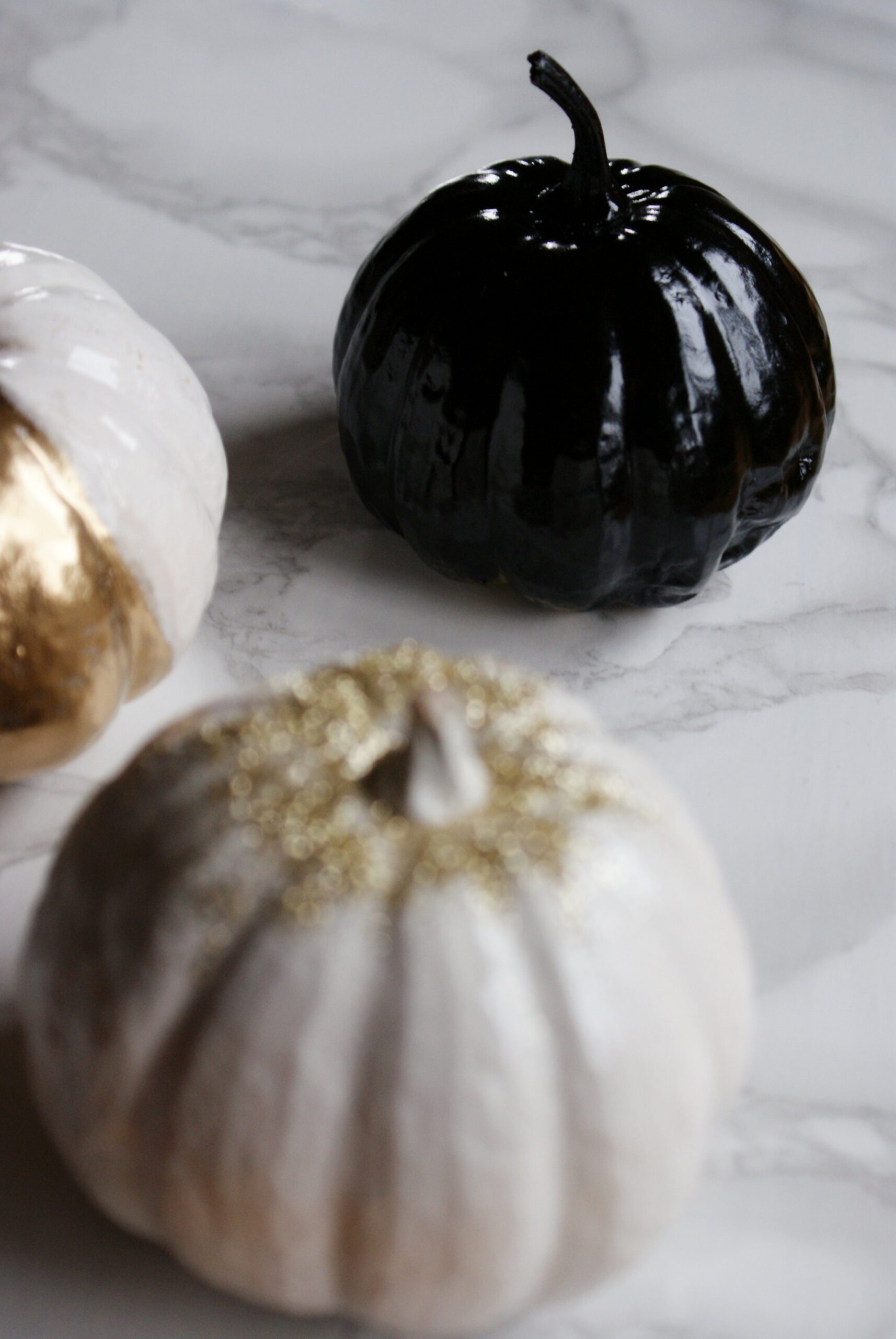diy white black gold pumpkin halloween
