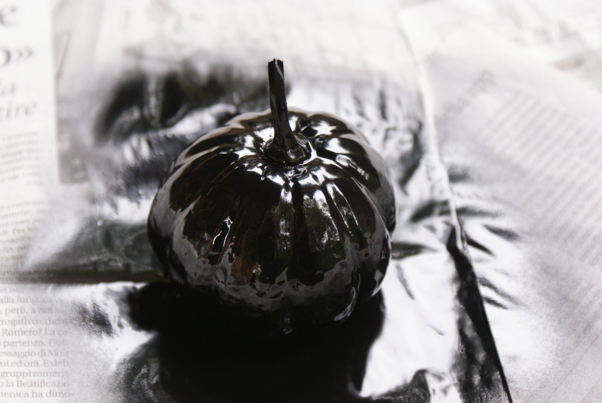 diy black painted pumpkin halloween