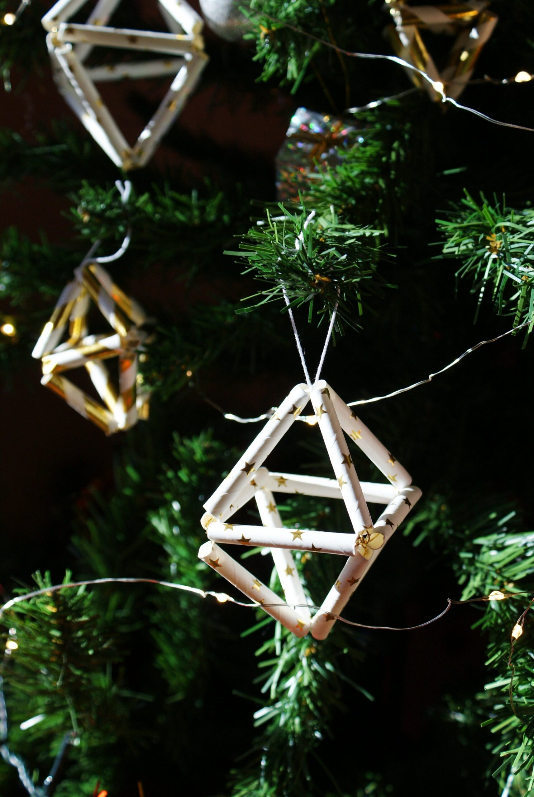 minimalist christmas decoration idea ornament