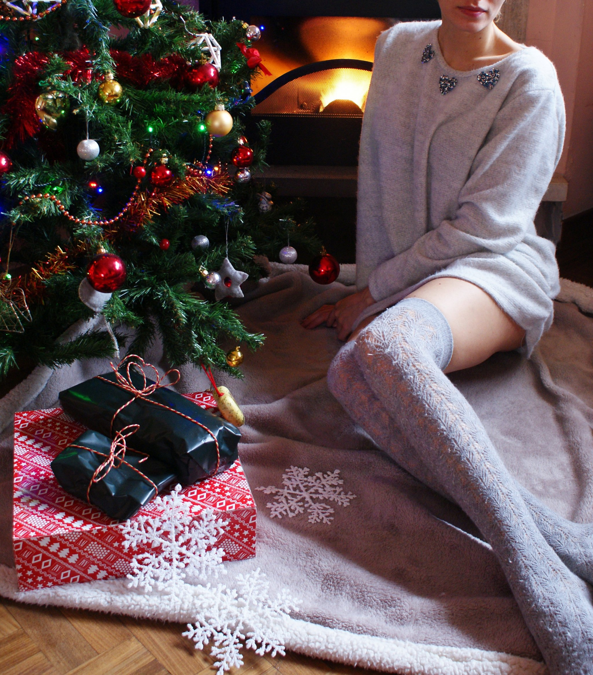 cozy christmas outfit sparkle sweater