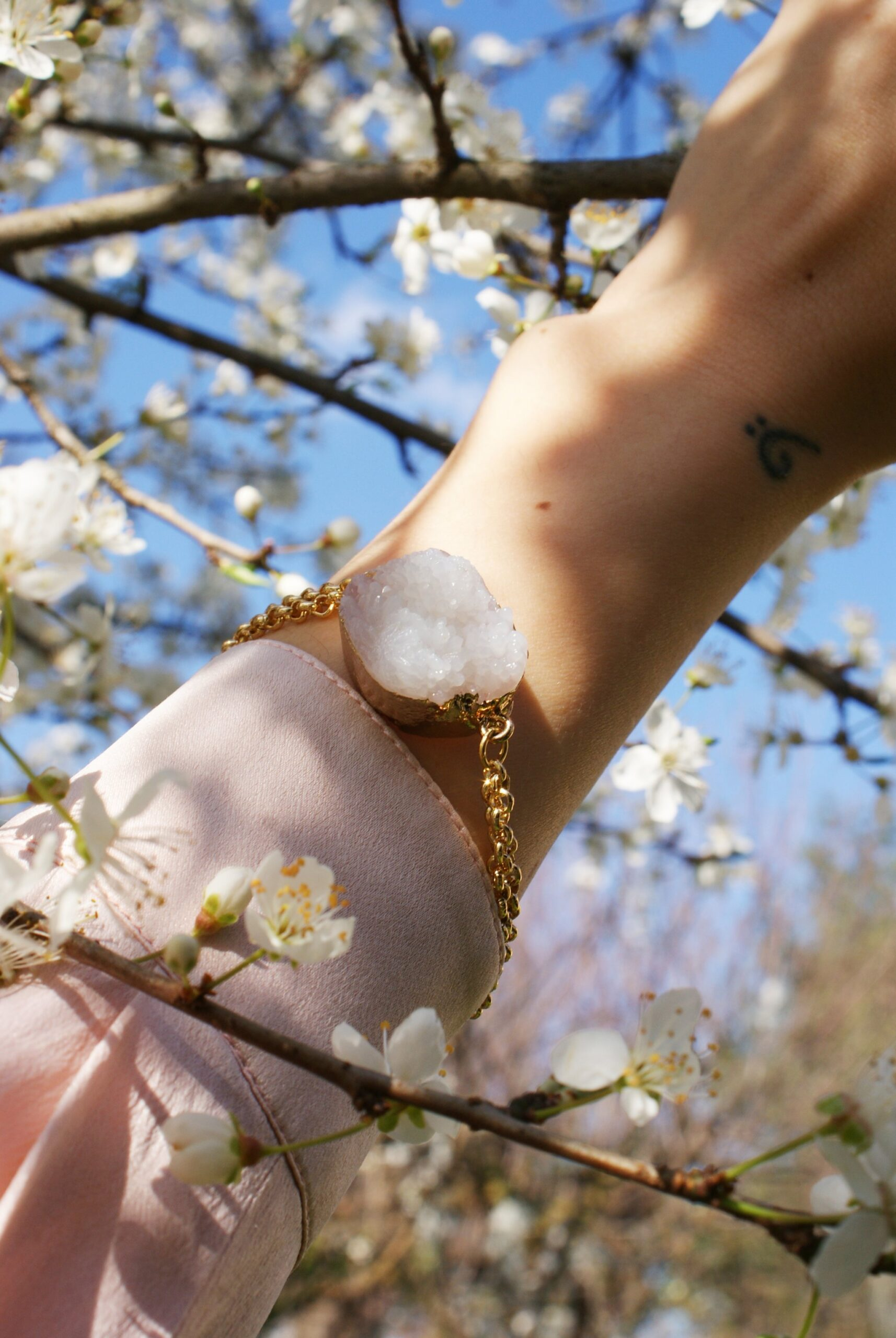 diy raw quartz bracelet francinesplaceblog