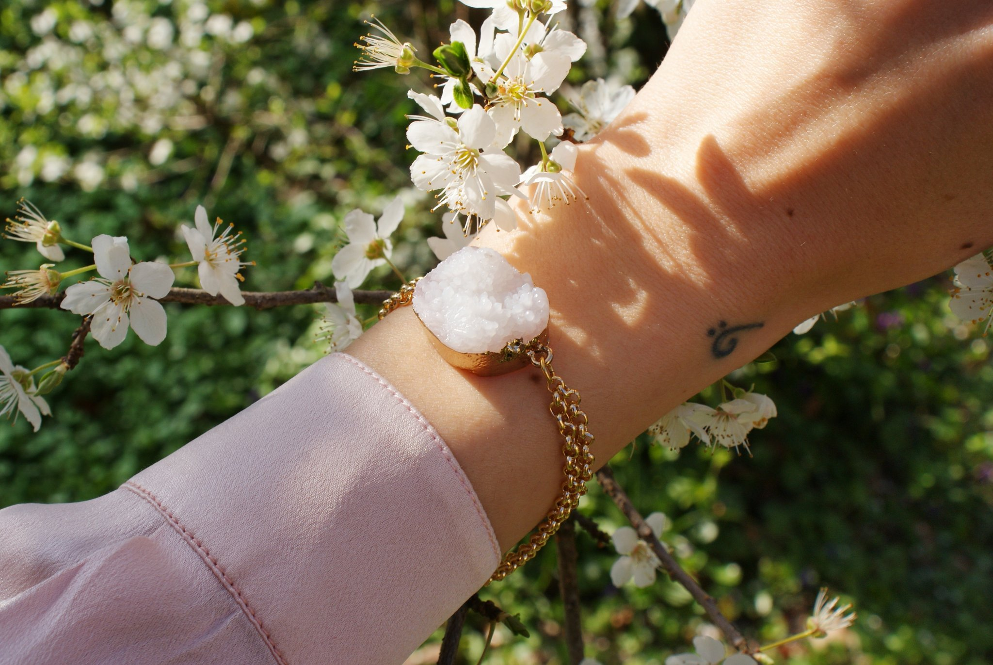 raw quartz bracelet diy tutorial