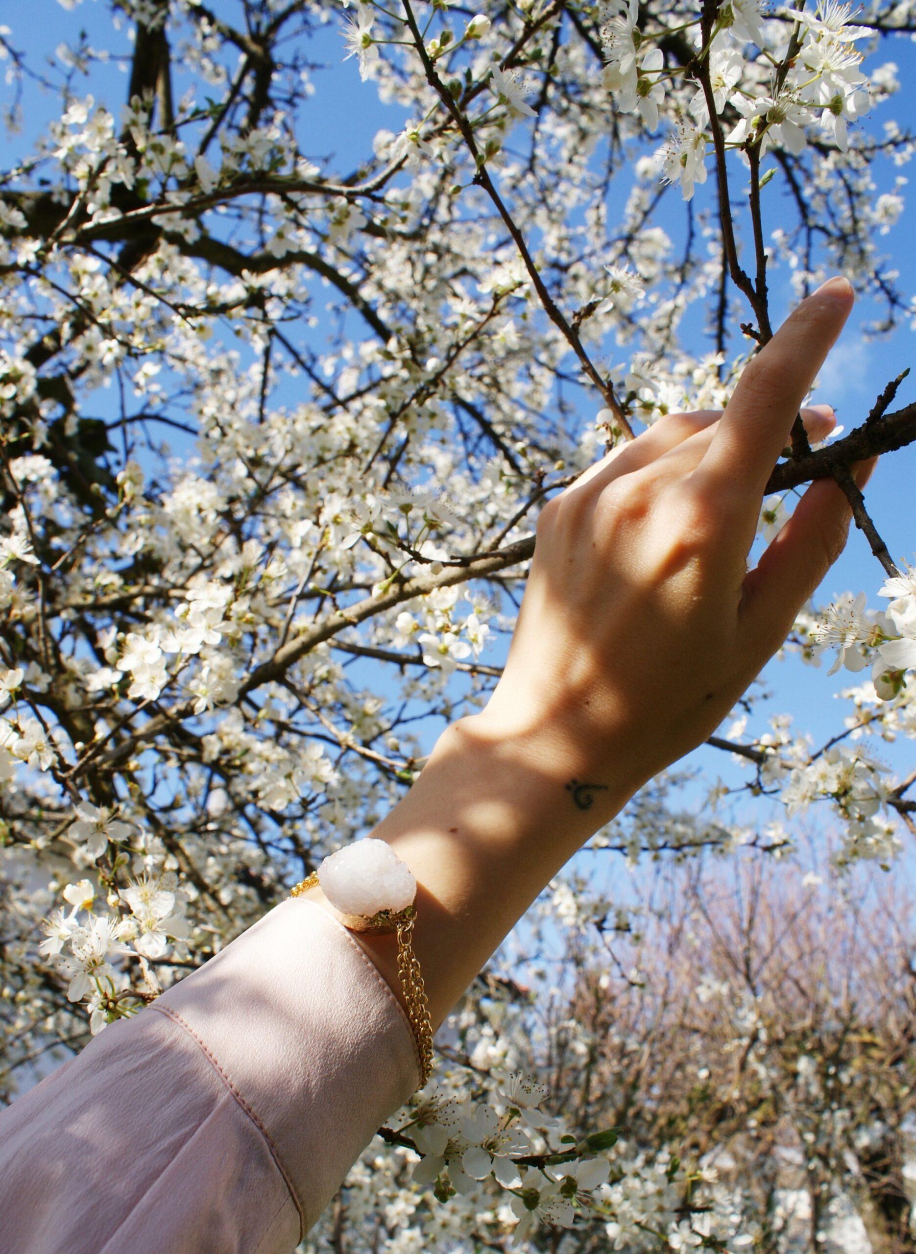 diy quartz spring bracelet tutorial francinesplaceblog