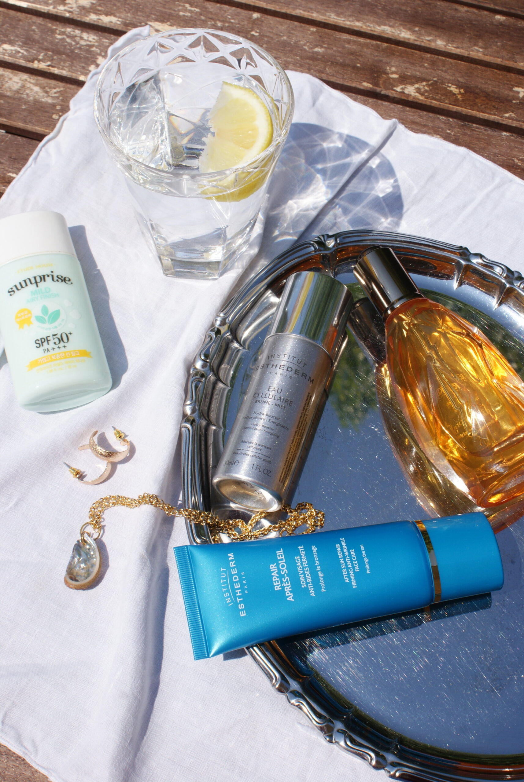 summer holiday beauty skincare products packing