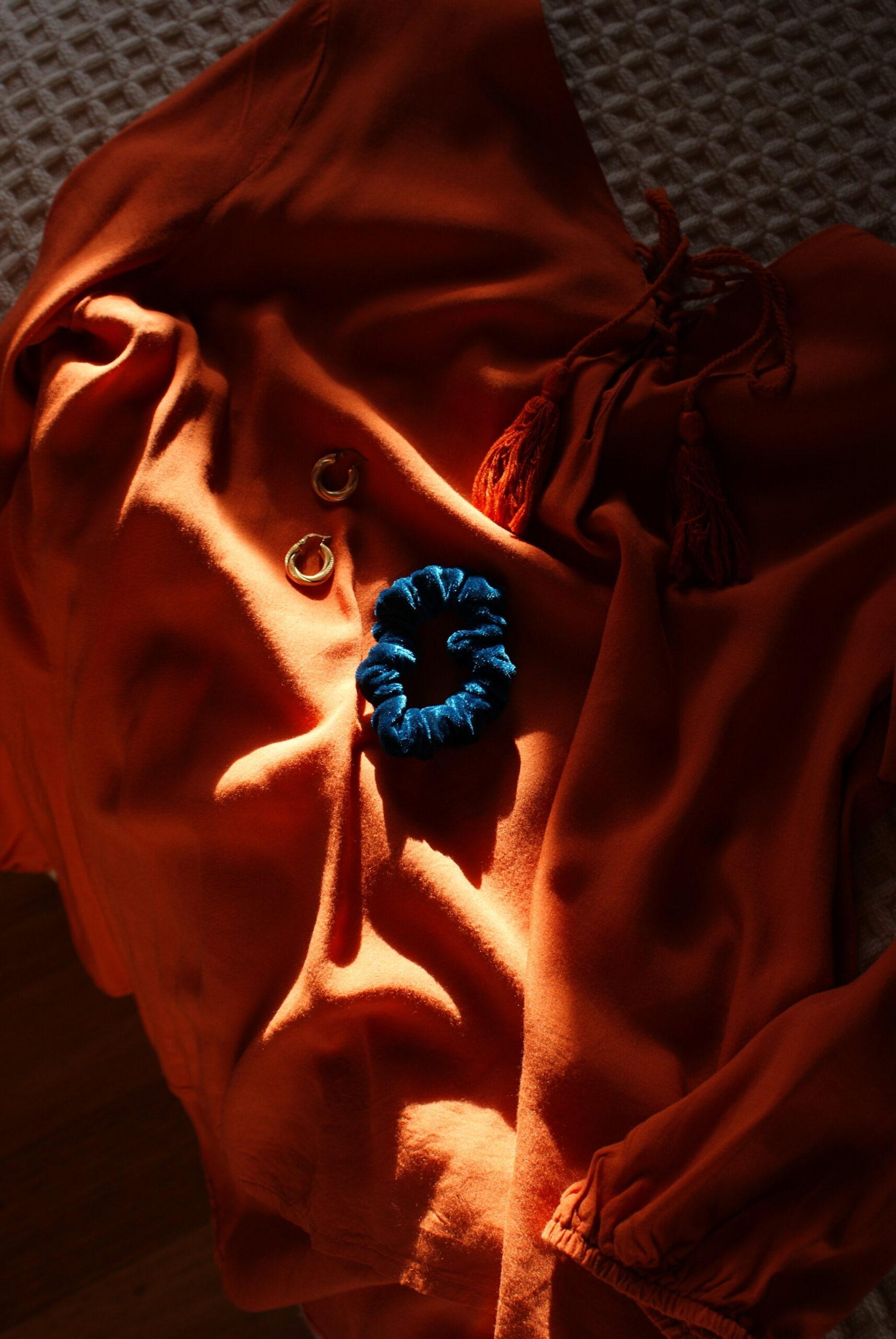 diy velvet scrunchies hair trend ultimate tutorial petrol easy sewing