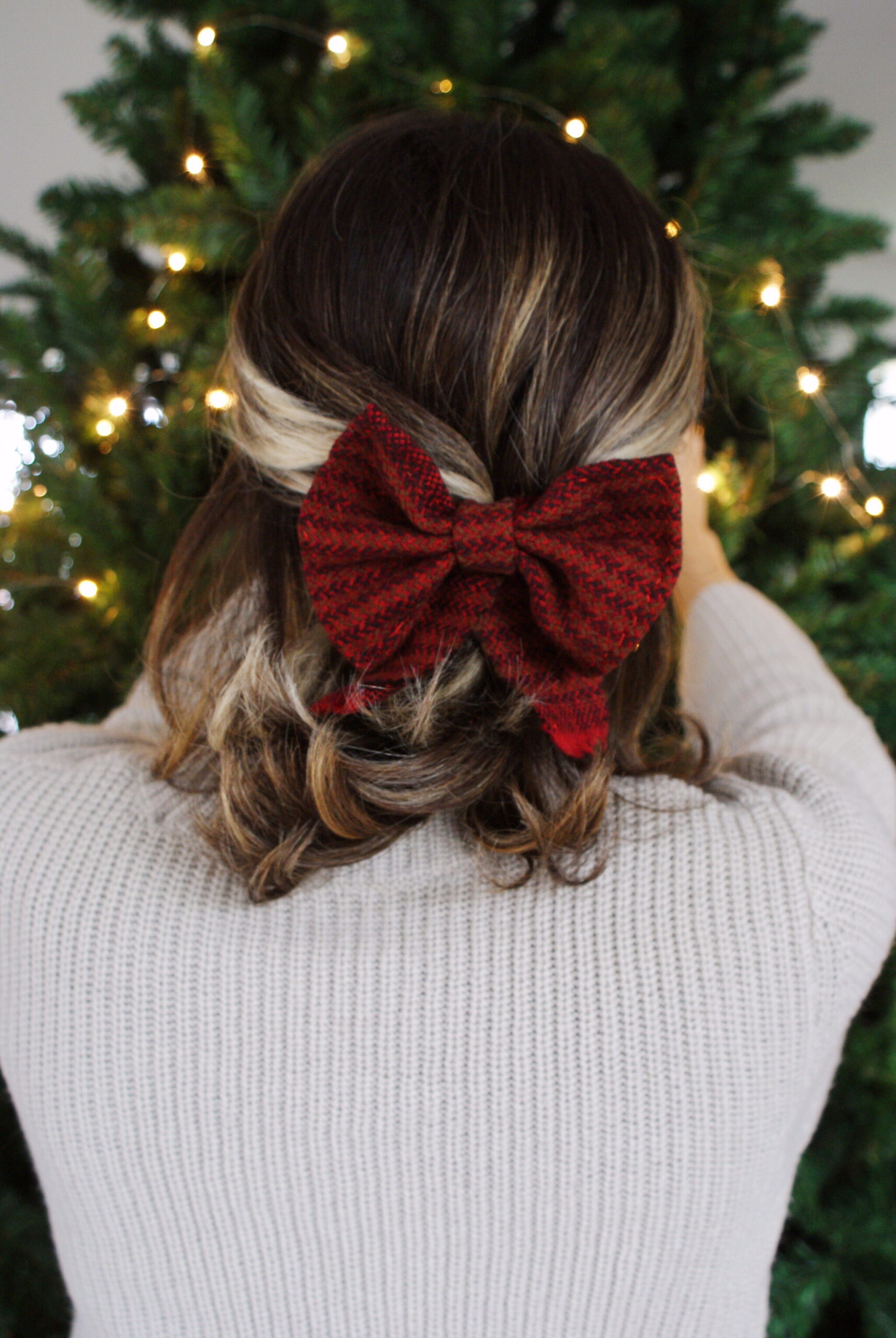 diy tartan bow hair clip easy handmade accessory festive outfits christmas