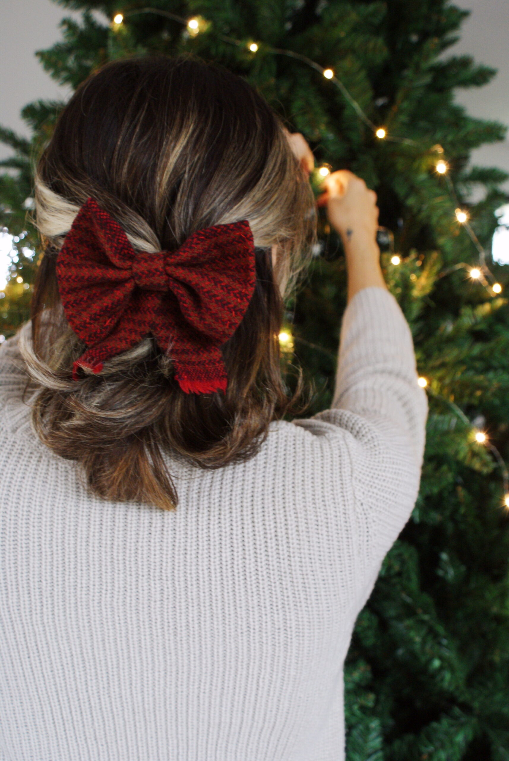 diy tartan bow hair clip easy handmade accessory festive outfits christmas tutorial sew