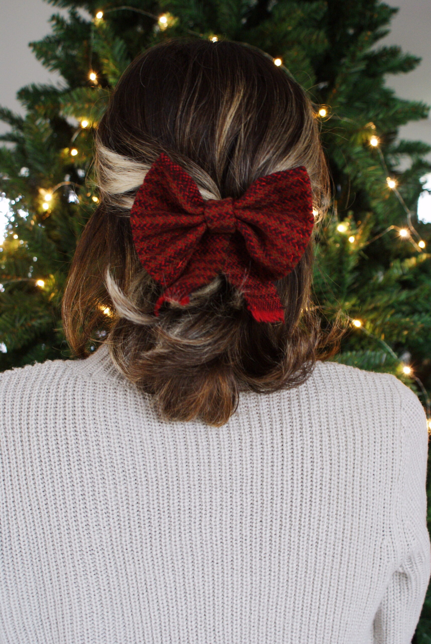 diy tartan bow hair clip easy handmade accessory festive outfits christmas tutorial wool