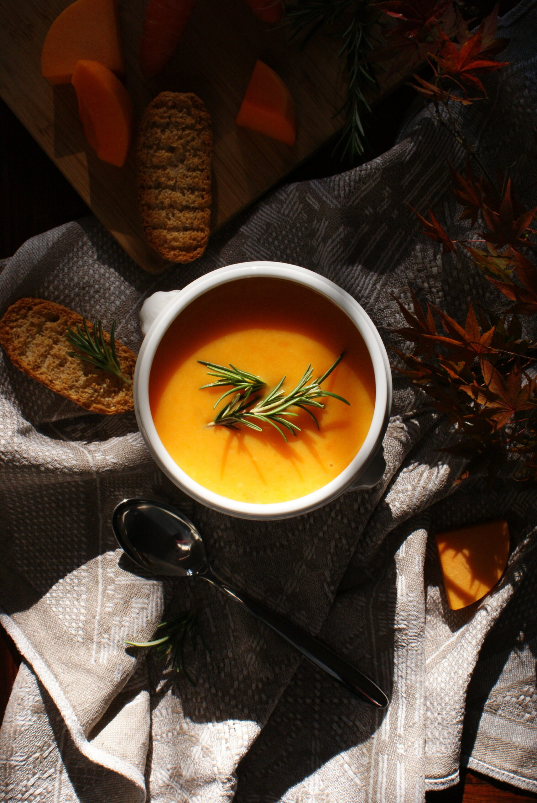 HOMEMADE PUMPKIN, POTATO AND CARROT SOUP RECIPE: THE EASY & QUICK IDEA FOR FALL & WINTER MEALS