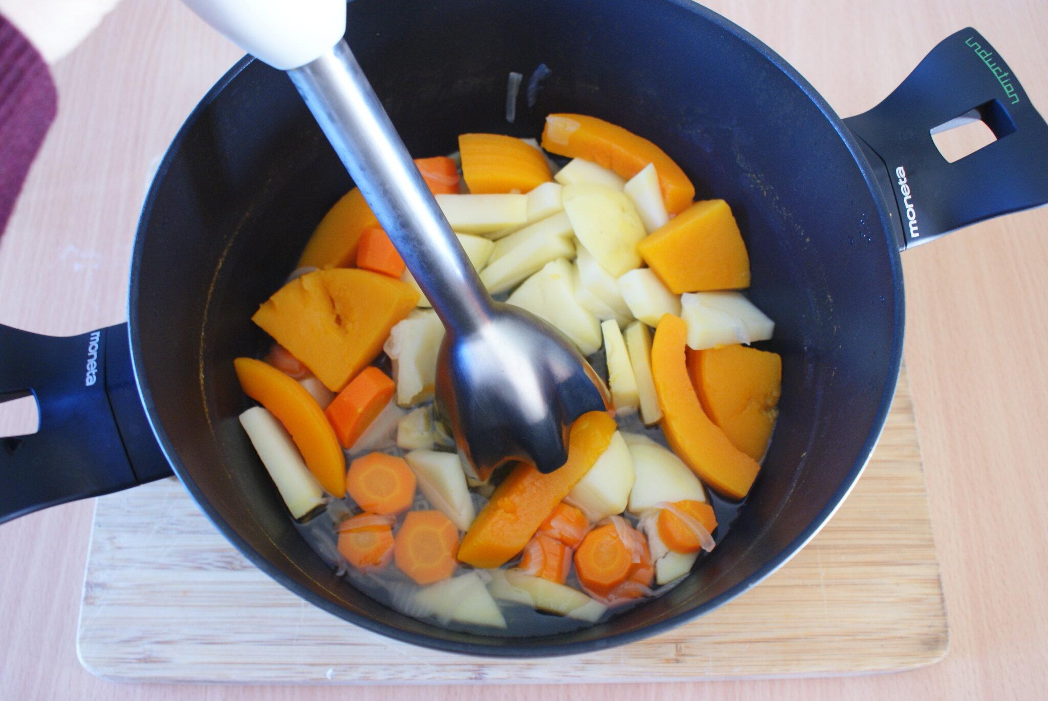 ricetta veloce facile vegan vellutata zuppa zucca carote
