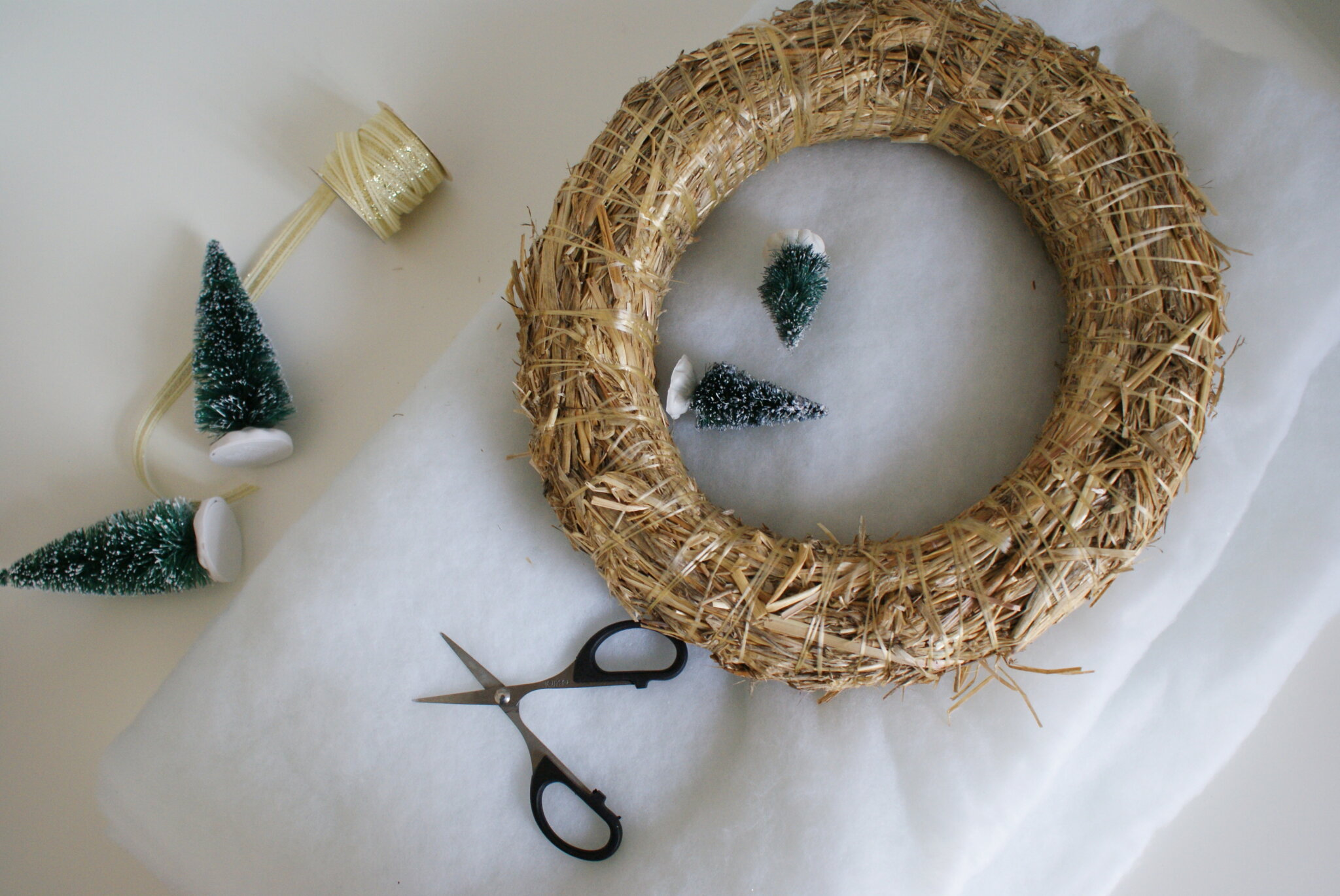 diy cotton snow wreath christmas handmade winter miniature tutorial easy decor idea home