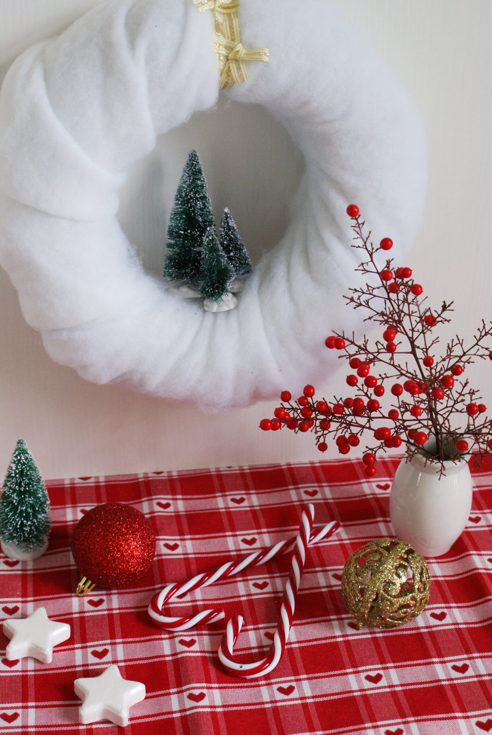 diy cotton snow wreath christmas handmade winter miniature tutorial easy decor idea hanging