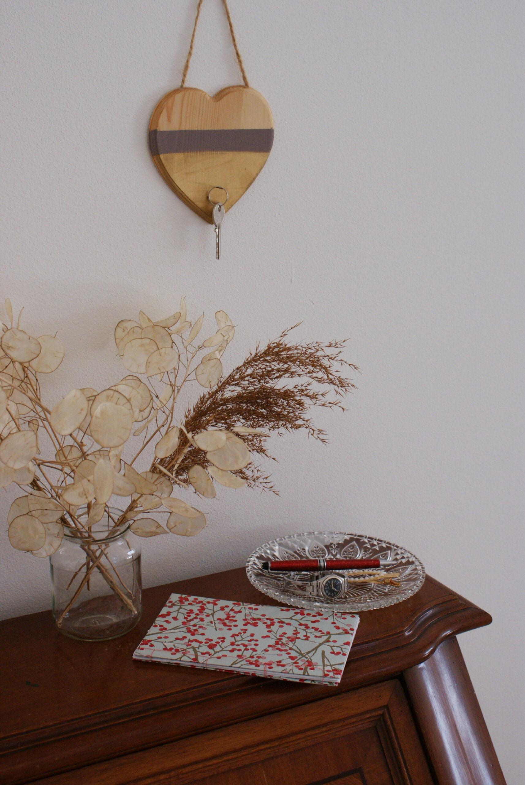 portachiavi appendere legno casa ingresso fai da te tutorial facile regalo idea san valentino