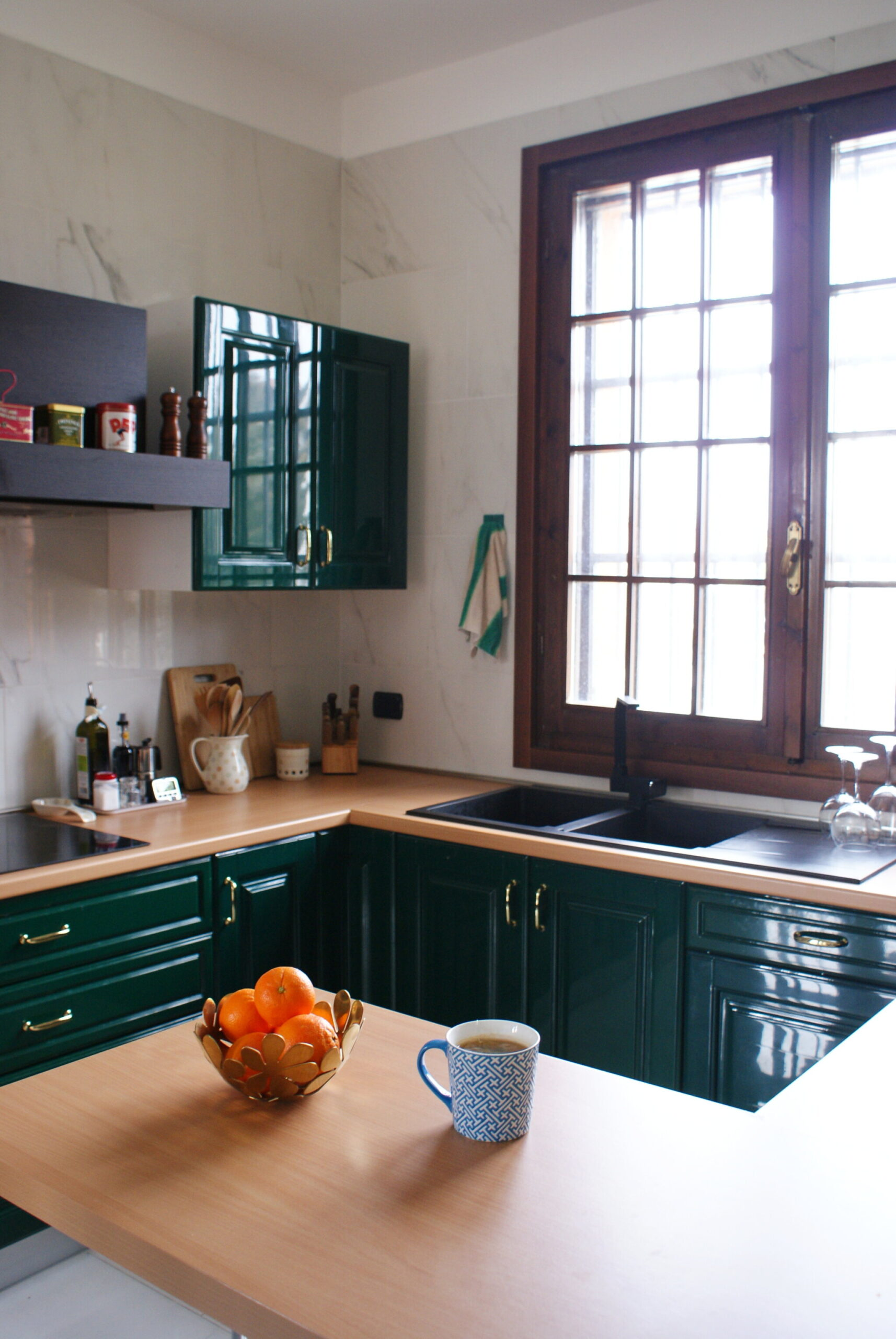 HOW TO DECLUTTER AND ORGANIZE YOUR KITCHEN TO GET A MINIMALIST SPACE IN ONE DAY!