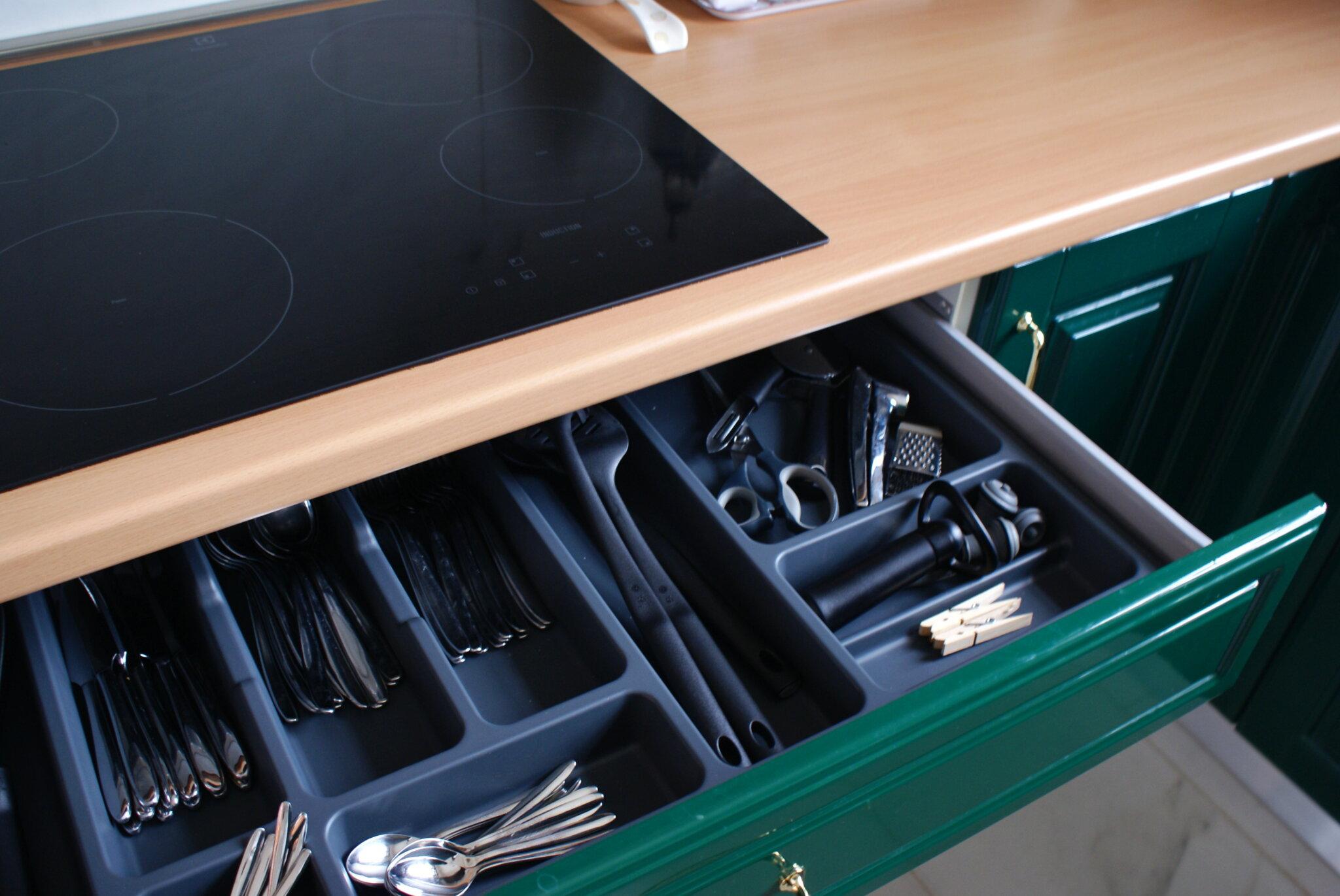how declutter organize kitchen minimalist tips ulimate come organizzare riordinare cucina minimalista consigli drawers cassetti