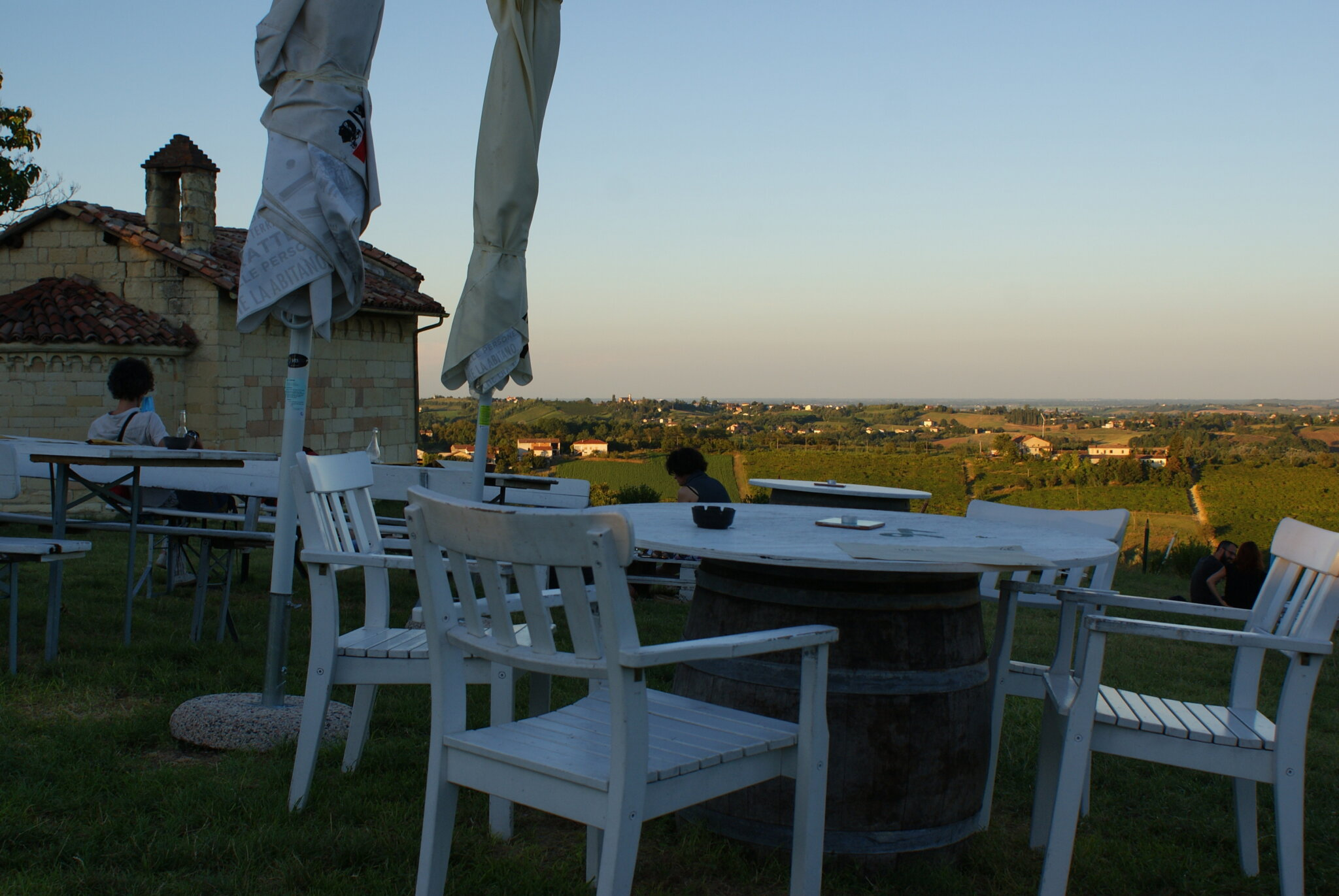 monferrato travel guide piemonte italy piedmont tips eat see do guida viaggio vedere mangiare fare turismo tourism trip francinesplaceblog bar chiuso review