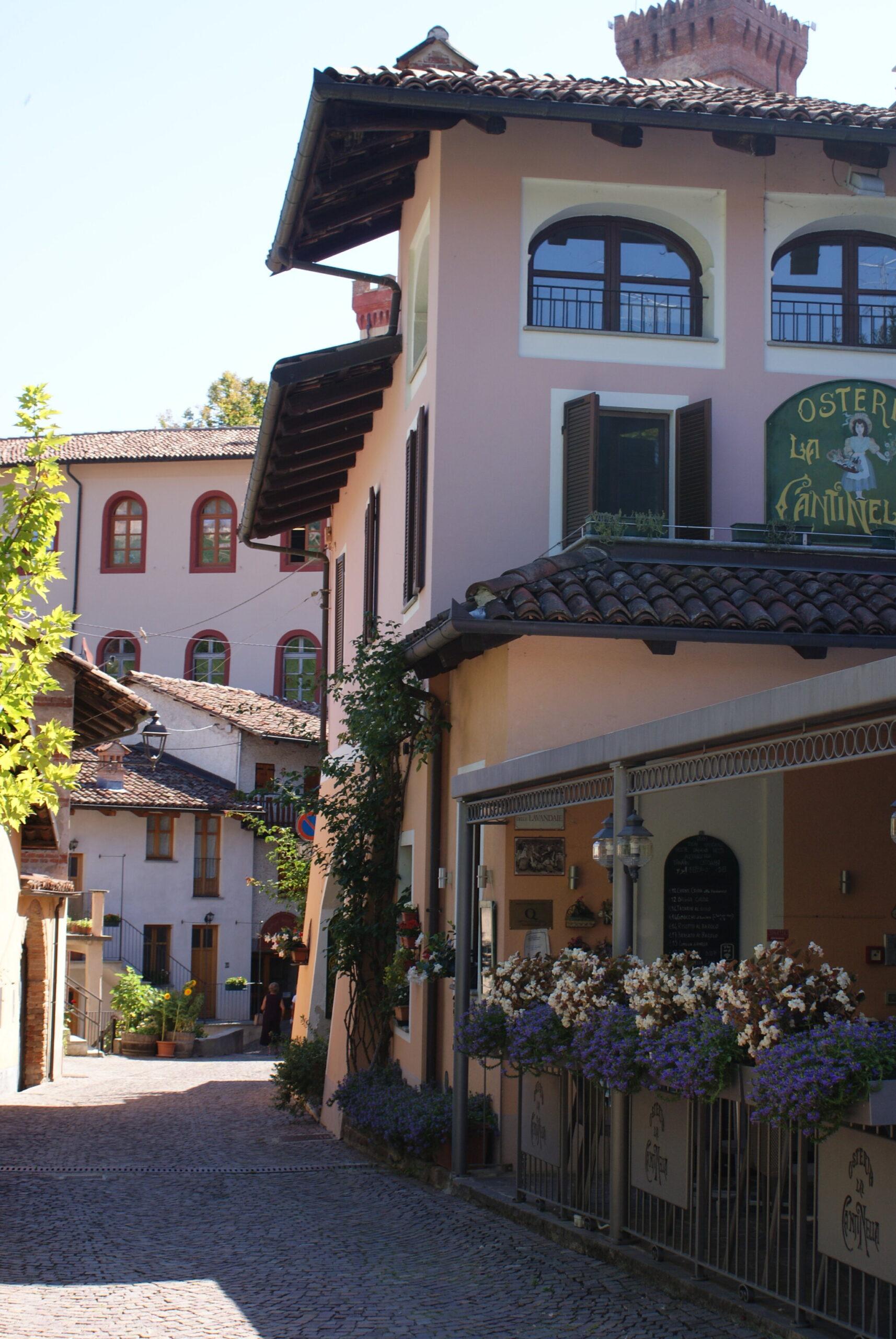 monferrato travel guide piemonte italy piedmont tips eat see do guida viaggio vedere mangiare fare turismo tourism trip francinesplaceblog barolo